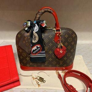 Louis Vuitton Alma Handbag❤️